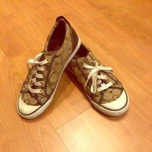 Size 6 Coach designer sneakers in Barrett style.